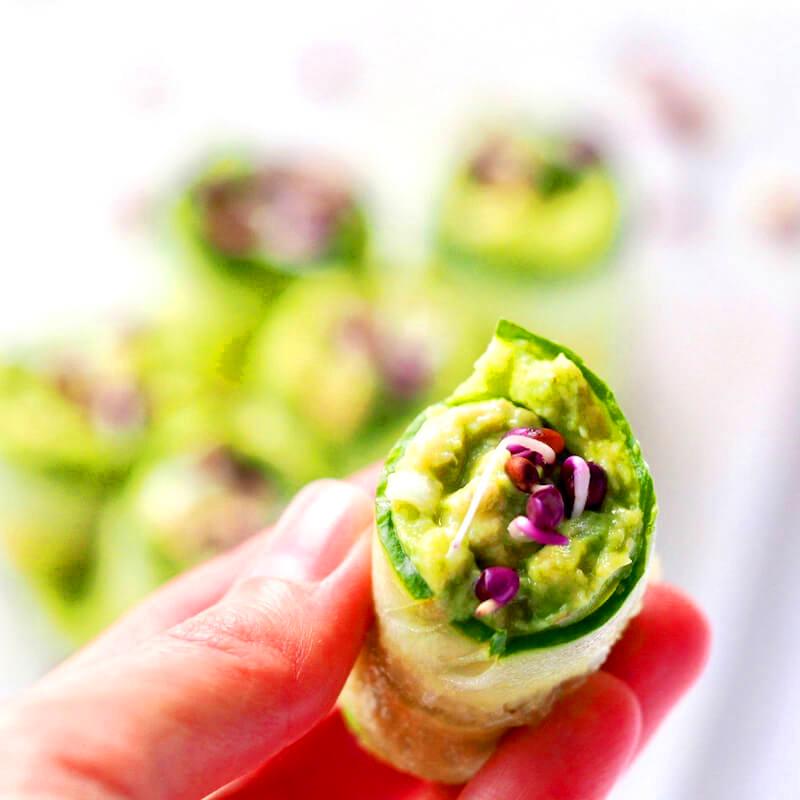 Proteinrig guacamole med spirer af kikærter FRISKE SPIRER