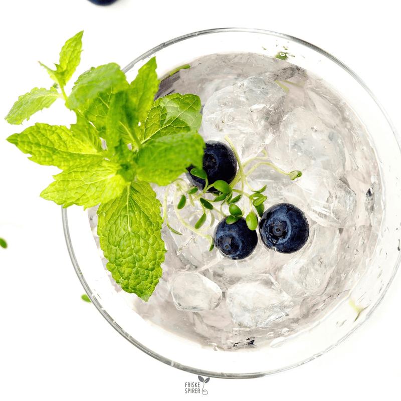 Sund drink med spirer FRISKE SPIRER