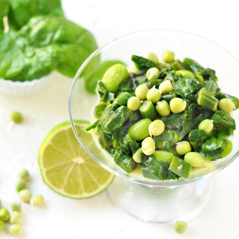 vegansk floedestuvet spinat med spirer
